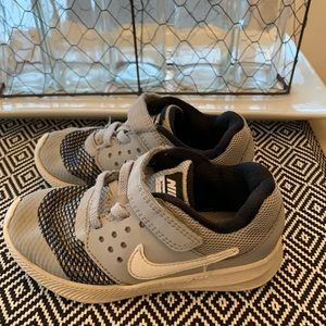 Boys NIKE Downshifter Gray Shoes- Size 9